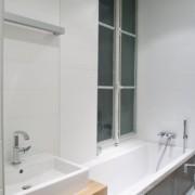 La salle de bain revue et corrigée par les décorateurs de Kjbi Déco