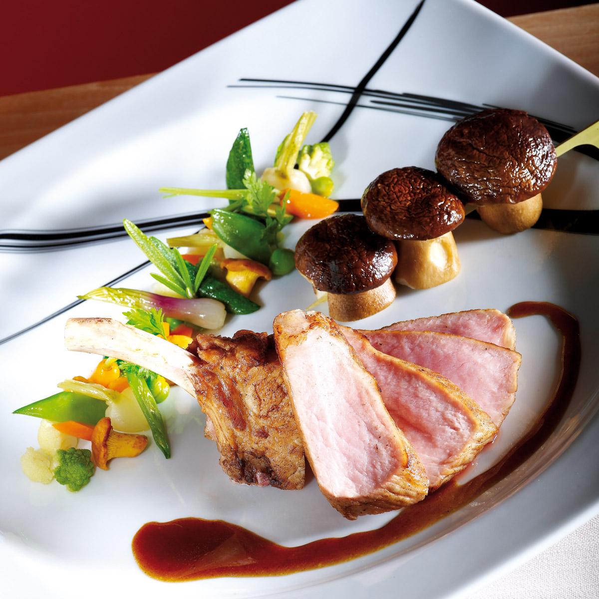 C te de porc ib rique brochette de c pes de pays arts for Site de cuisine gastronomique