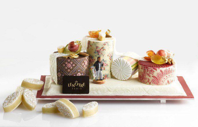 « Bûche aux treize desserts » pour Lenôtre designée par Christian Lacroix