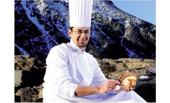 Mickaël Féval, chef du restaurant Antoine à Paris, fait désormais partie des étoilés Michelin.