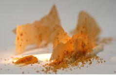 Feuilles de caramel frottées de zeste d'orange, datte et crème au fromage blanc, gelée à la fleur d'oranger
