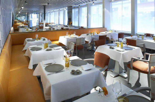 L'adresse est prestigieuse, le 16 avenue Bugeaud à Paris, le cadre raffiné et chaleureux, la cuisine savoureuse et joyeuse