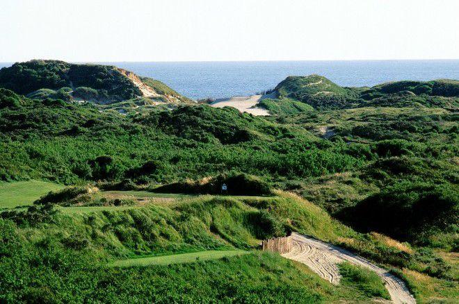 Entre dunes et forêts, ce golf est l'un des plus beaux sites européens.