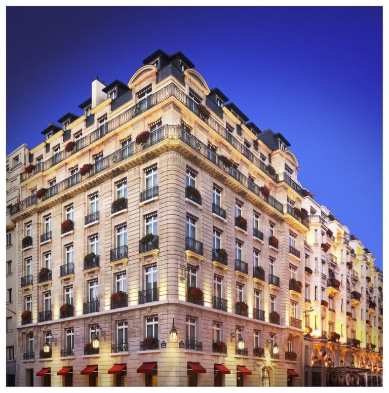 Facade Hôtel Le Bristol