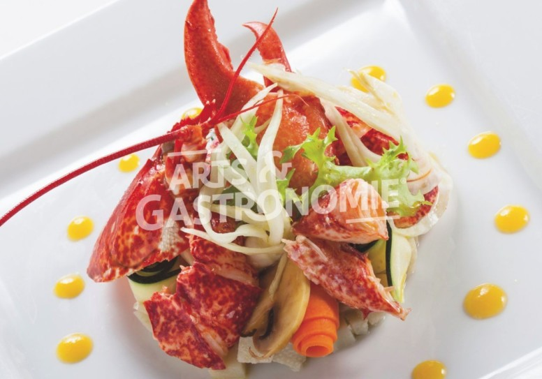 Homard Breton acidulé à la passion, tartare d'artichaut et légumes marinés