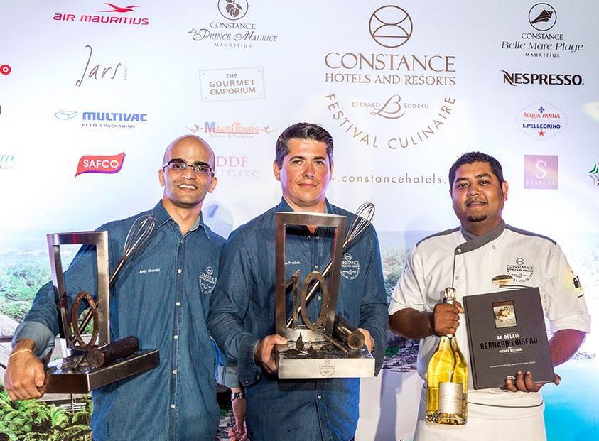 l'équipe vainqueur lors de la remise des prix le 28 mars dernier.