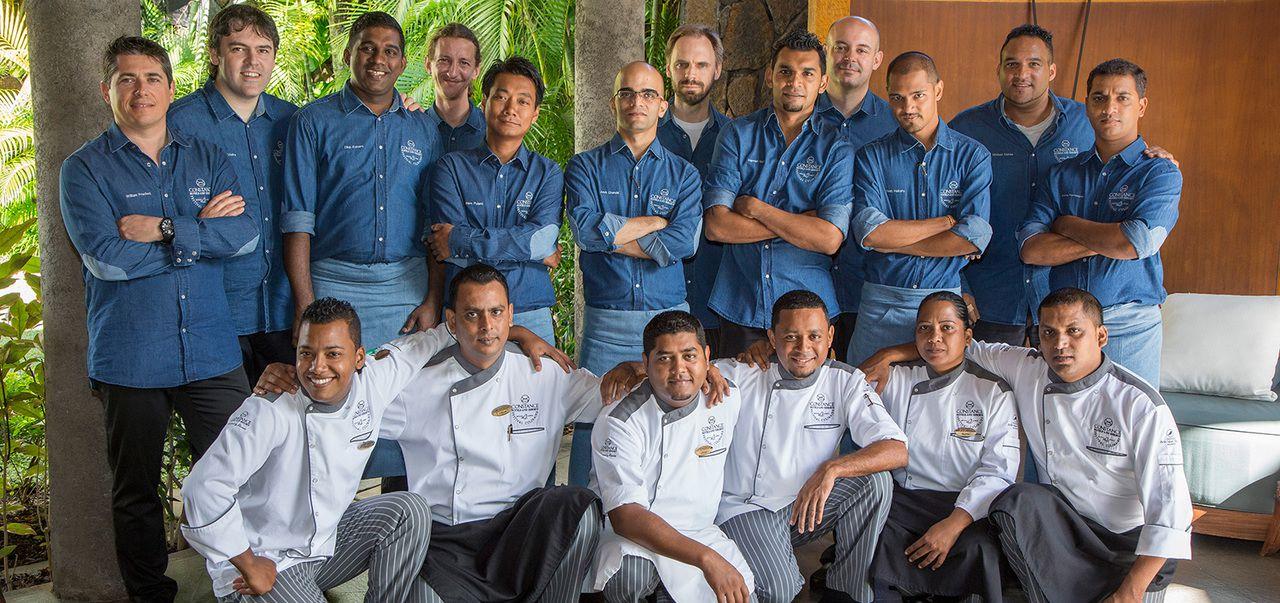 les 12 chefs et leur commis s'affrontant pour la 10ème édition du festival culinaire Bernard Loiseau