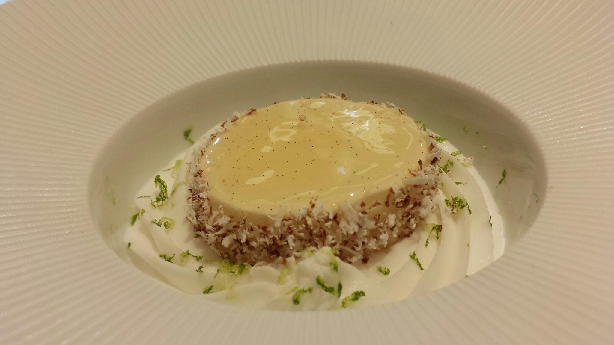 Crème citron, sorbet citron-coco, meringue croquante, dacquoise aux noix_© Clémence Rouyer