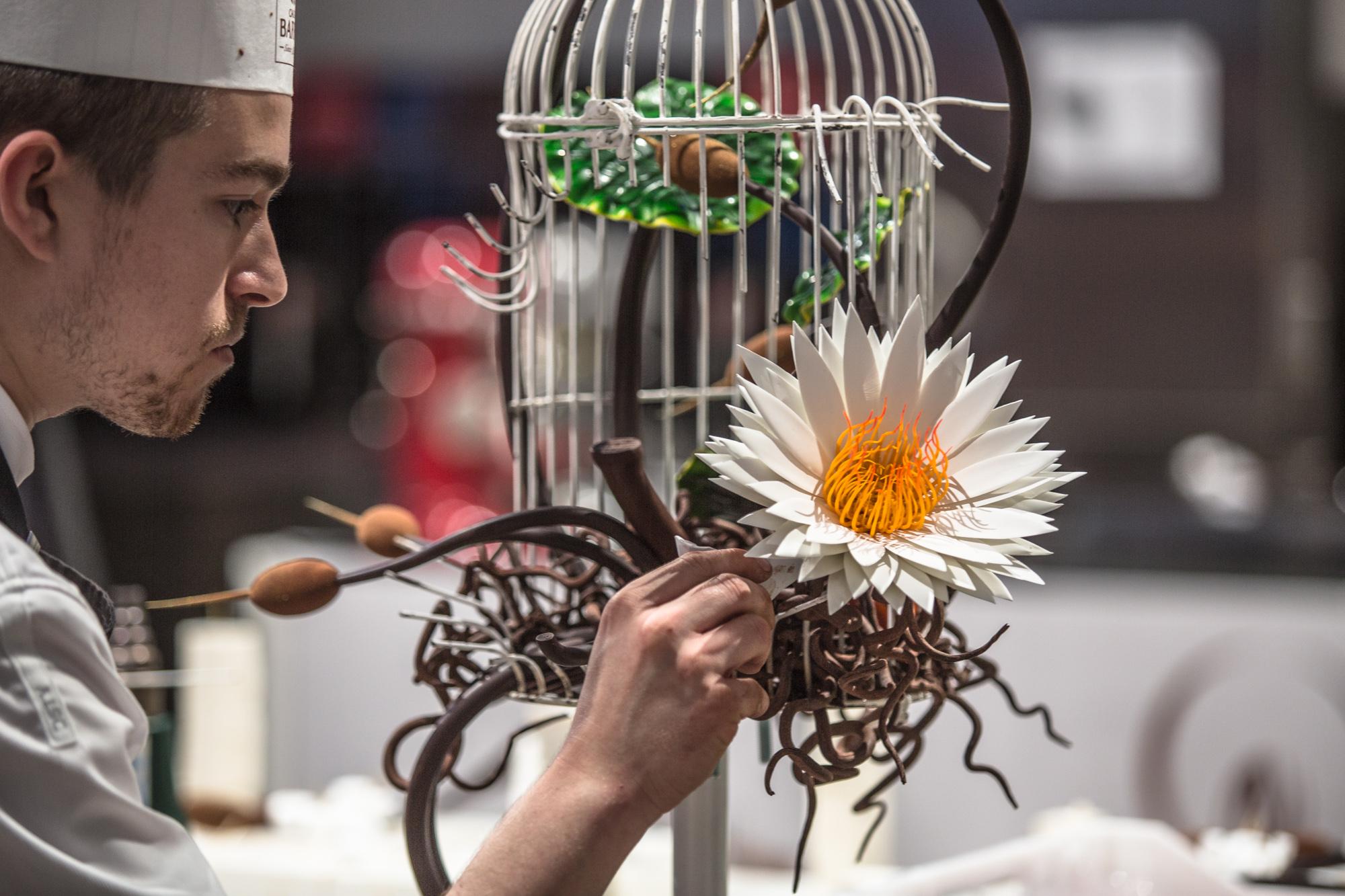 Cage à oiseau en chocolat sur le thème, Inspiration de la nature par Vincent Vallée_© World Master Chocolate