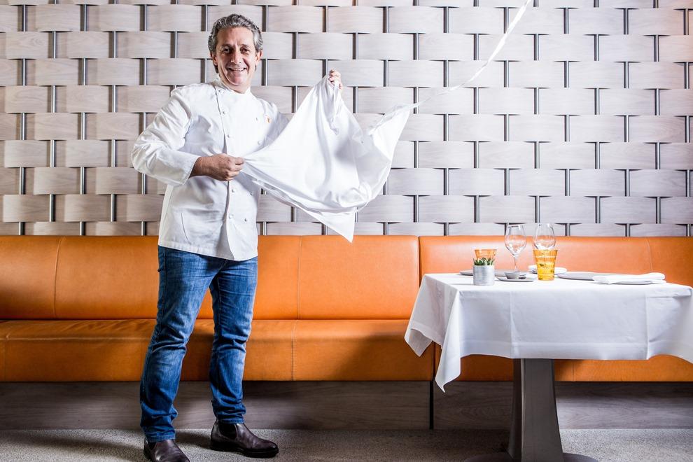 Ce mardi 08 décembre, jean-Louis Nomicos fêtait les 5 ans de son restaurant, Les Tablettes de Jean-Louis Nomicos_© J.Faure