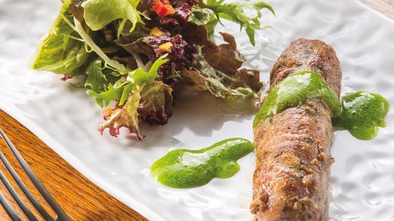 Pied de cochon désossé en crépinette et son jus aux herbes