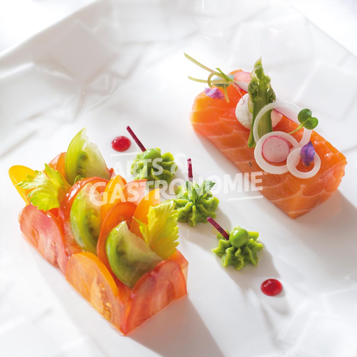 saumon bio cuit au sel fum chantilly de petits pois la menthe arts gastronomie. Black Bedroom Furniture Sets. Home Design Ideas