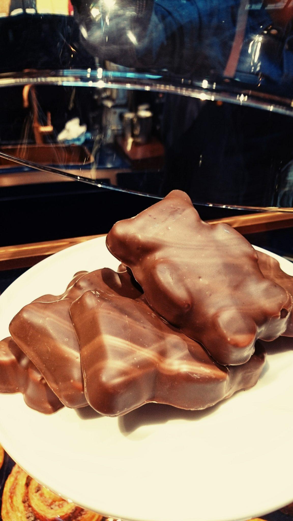 Nounours en guimauve, chocolatines, pâtes à tartiner, dans la boutique, tout tourne autour du chocolat_© Clémence Rouyer