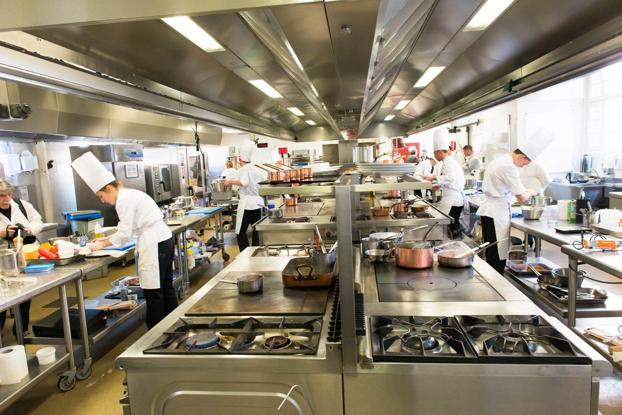 Pour sa 6ème édition, le concours Jeunes talents Maîtres Restaurateurs s'est déroulé le 29 février 2016 à l'école Grégoire Ferrandi_© Jean-Louis Vandevivere