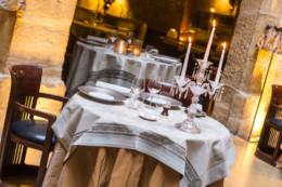 Table dressée du restaurant Anthony Bonnet de Cours des loges à Lyon
