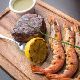 Assiètte de Surf&Turf nouvelle tendance terre et mer venue d'Amérique au restaurant Steak&co dans le 6ème arrondissement de Lyon