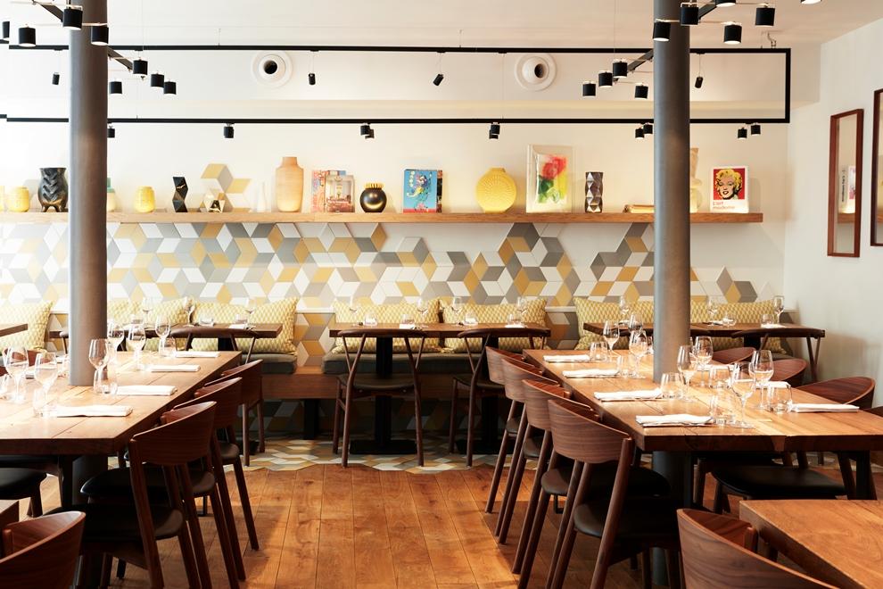 QG du chef Simon Horwitz, Elmer séduit les parisiens avec sa déco épurée et sa cuisine généreuse_© Elmer Restaurant