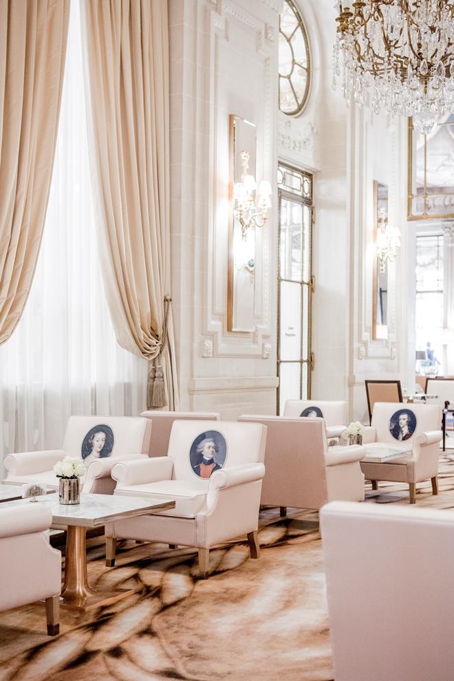 la Galerie Pompadour métamorphosée par Philippe Starck devient une extension du bar 228_© Pierre Monetta