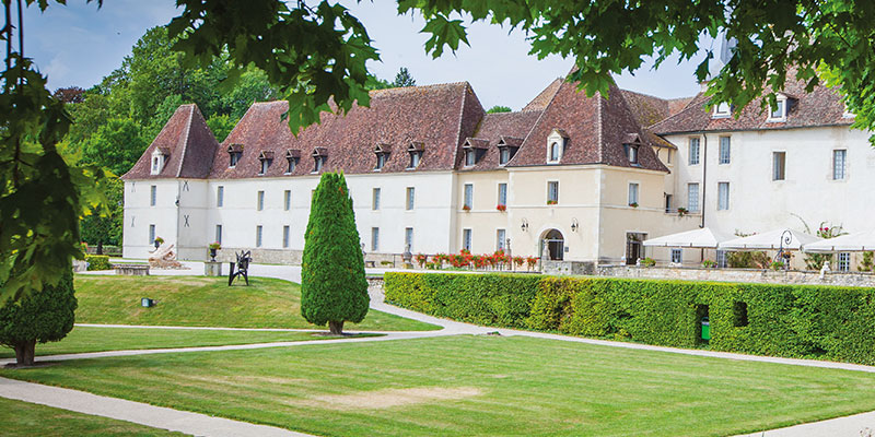 chateau_gilly_1