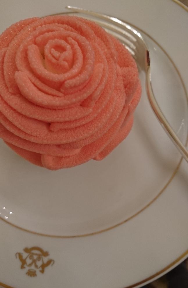 Rose Saint-Valentin : Rose, citron et menthe ciselée