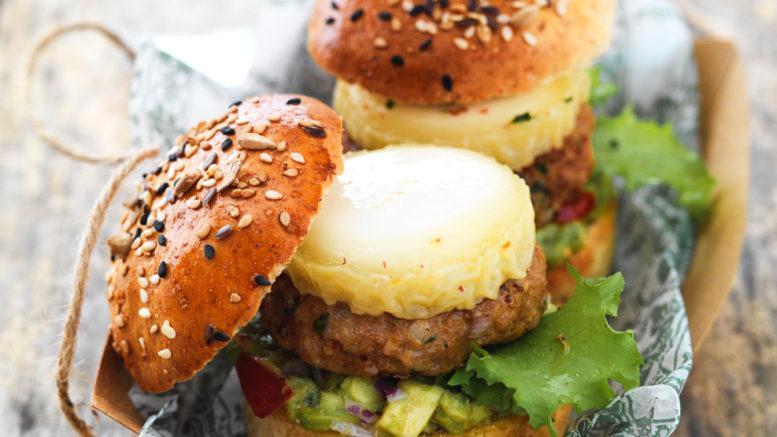 Mini-Burgers de veau épicé, Chabichou du Poitou AOP et purée d'avocat
