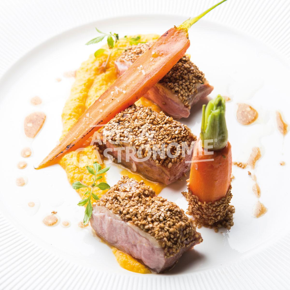 Canette r tie en cro te de s same r duction de porto carottes cr meuses r ties au miel arts - Recette plat gastronomique ...