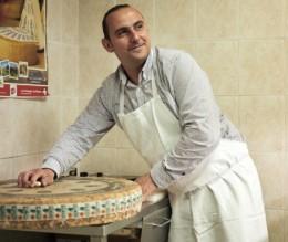 fromagerie viennoise, commerce et boutique dans la ville de vienne en isère avec des fromages de producteurs gérée par Lionel Chapat