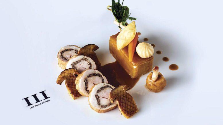 La volaille de Bresse, le suprême farci aux cèpes, la cuisse en effiloché aux blettes du chef Christian Lherm, 1 étoile michelin , du restaurant les 3 dômes au sofitel restaurant de Lyon.
