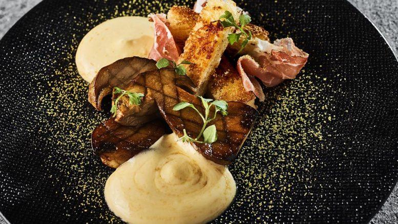 Cèpes, brioche, speck, sabayon aux cèpes, du chef Marc boissieux du restaurant l'inattendu à lyon