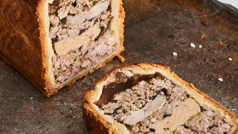 Pâté en croûte de foie gras de canard & ris de veau de lait. Champion du monde 2009, restaurant Daniel et Denise du Chef Joseph Viola sur Lyon