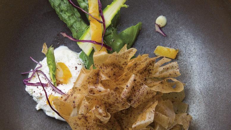 Asperges vertes de Cabannes, œuf bio croustillant et haddock