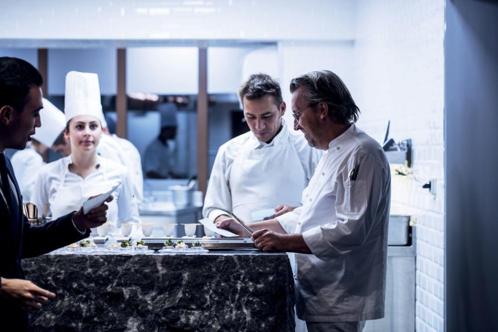 Le-Clos-des-Sens-2016_09_21-REPORTAGE-cuisine-42_MatthieuCellard