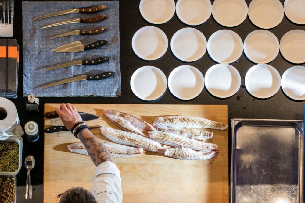 Un chef en action à l'Omnivore Food Festival